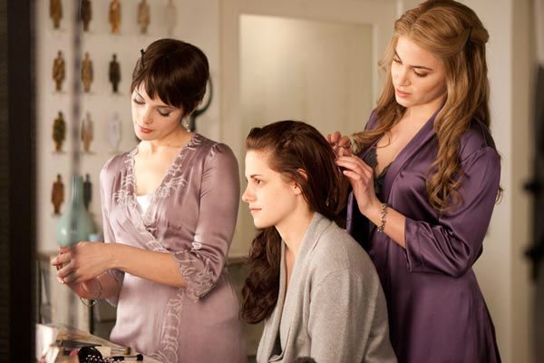 "<div class=""meta ""><span class=""caption-text "">Ashley Greene, Kristen Stewart and Nikki Reed appear in a scene from 'The Twilight Saga: Breaking Dawn - Part 1.' (Summit Entertainment / Andrew Cooper)</span></div>"