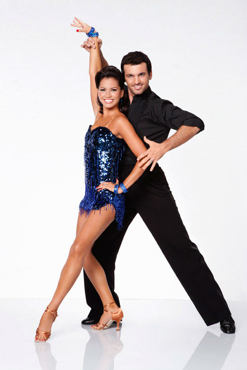 Melissa Rycroft and Tony Dovolani, who were partners in season 8, appear in an official cast photo for 'Dancing With The Stars: All-Stars' season 15.
