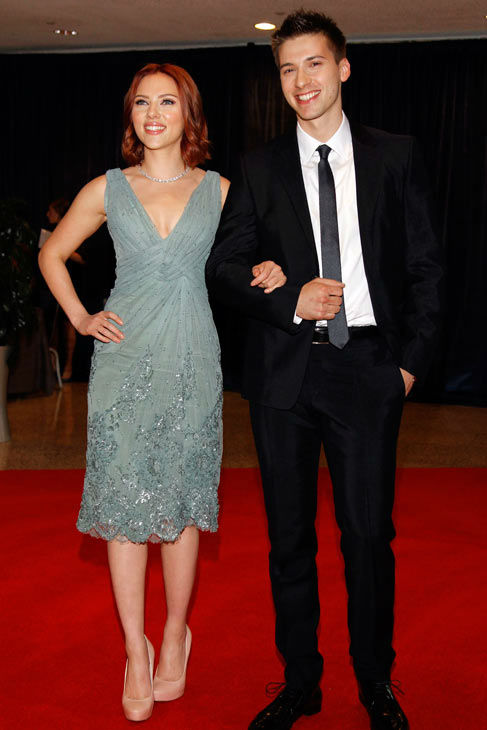 "<div class=""meta image-caption""><div class=""origin-logo origin-image ""><span></span></div><span class=""caption-text"">Scarlett Johansson and her brother Hunter Johansson arrive for the White House Correspondents Dinner Saturday, April 30, 2011 in Washington. (AP Photo/ Alex Brandon)</span></div>"