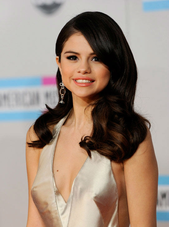 Selena Gomez arrives at the 39th Annual American...