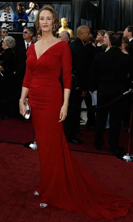 "<div class=""meta ""><span class=""caption-text "">Janet McTeer arrives before the 84th Academy Awards on Sunday, Feb. 26, 2012, in the Hollywood section of Los Angeles. The 'Albert Nobbs' actress wore a custom draped garnet chiffon David Meister gown with long sleeves.  (AP Photo/ Matt Sayles)</span></div>"