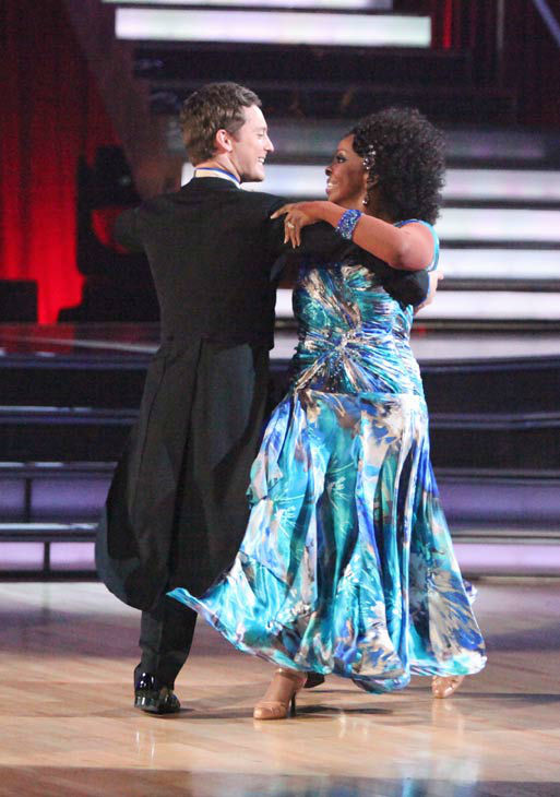 R&B legend Gladys Knight and her partner Tristan MacManus received 19 out of