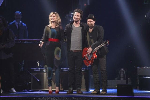 Matt Nathanson performed his latest single 'Run' featuring Sugarland in a special performance accompanied by pro dancers Tristan MacManus and Peta Murgatroyd on 'Dancing With The Stars: The Result Show' on Tuesday, March 27, 2012.