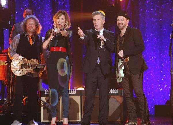 Country duo Sugarland performed 'Find the Beat...
