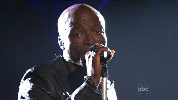 Seal returned to the ballroom to perform 'Lean On Me' from his latest album 'Soul 2' on 'Dancing With The Stars: The Results Show' on Tuesday, April 3, 2012. His performance was accompanied by four members of the Troupe.