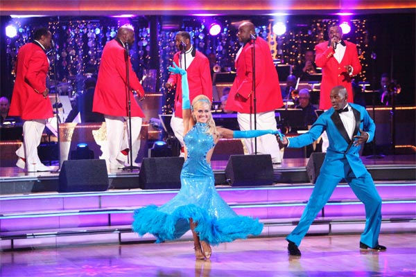 Football star Donald Driver and his partner Peta Murgatroyd received 27 out of 30 points from the judges for their Fox Trot to The Temptations&#39; &#39;The Way You Do the Things You Do&#39; on week six of &#39;Dancing With The Stars,&#39; which aired on Monday, April 23, 2012. <span class=meta>(ABC Photo&#47; Adam Taylor)</span>