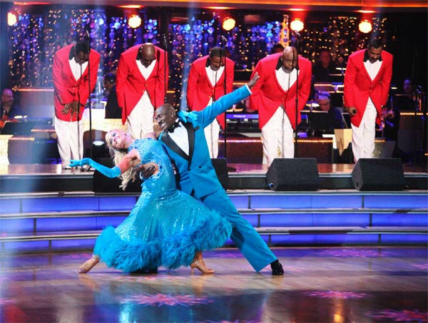"<div class=""meta ""><span class=""caption-text "">Football star Donald Driver and his partner Peta Murgatroyd received 27 out of 30 points from the judges for their Fox Trot to The Temptations' 'The Way You Do the Things You Do' on week six of 'Dancing With The Stars,' which aired on Monday, April 23, 2012. (ABC Photo/ Adam Taylor)</span></div>"