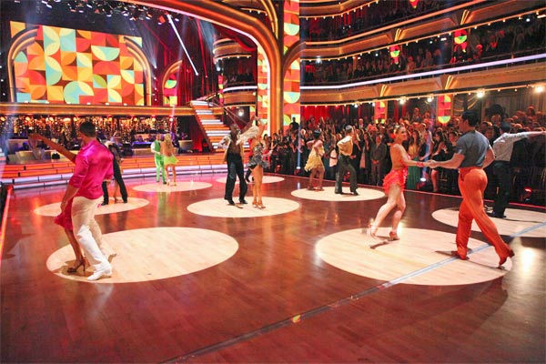 The couples showed off their classic dance moves from the Motown era during a special Motown Dance Marathon on week 6 of &#39;Dancing with the Stars,&#39; which aired on Monday, April 23, 2012. <span class=meta>(ABC Photo&#47; Adam Taylor)</span>