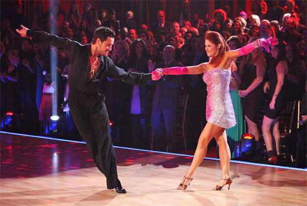 During a special performance with dancers Anna Trebunskaya and Val Chmerkovskiy, Smokey Robinson performed his No.1 hit song, &#39;Tears of a Clown,&#39; on week six of &#39;Dancing With The Stars,&#39; which aired on Monday, April 23, 2012. <span class=meta>(ABC Photo&#47; Adam Taylor)</span>