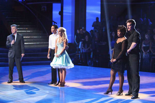 "<div class=""meta ""><span class=""caption-text "">R&B legend Gladys Knight, her partner Tristan MacManus, Disney Channel star Roshon Fegan and his partner Chelsie Hightower await possible elimination on 'Dancing With The Stars: The Results Show' on Tuesday, April 24, 2012. (ABC Photo/ Adam Taylor)</span></div>"