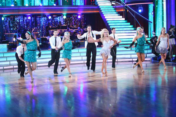 The show opened with a performance by the &#39;Dancing With The Stars&#39; Troupe, Val Chmerkovskiy, Peta Murgatroyd, Louis Van Amstel and Snejana Petrova, featuring a medley of Motown hit songs on &#39;Dancing With The Stars: The Results Show&#39; on Tuesday, April 24, 2012. <span class=meta>(ABC Photo&#47; Adam Taylor)</span>