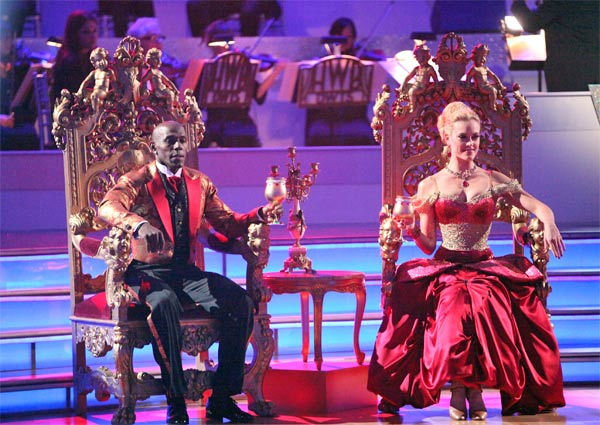 Football star Donald Driver and his partner Peta Murgatroyd received 27 out of 30 points from the judges for their Viennese Waltz on week 7 of 'Dancing With The Stars,' which aired on Monday, April 30, 2012.