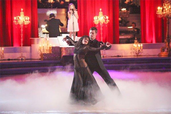 Soprano prodigy Jackie Evancho performed &#39;Dark Waltz&#39; during a pro dance performance with Tristan MacManus and Karina Smirnoff on &#39;Dancing With The Stars&#39; on Monday, April 30, 2012. <span class=meta>(ABC Photo&#47; Adam Taylor)</span>