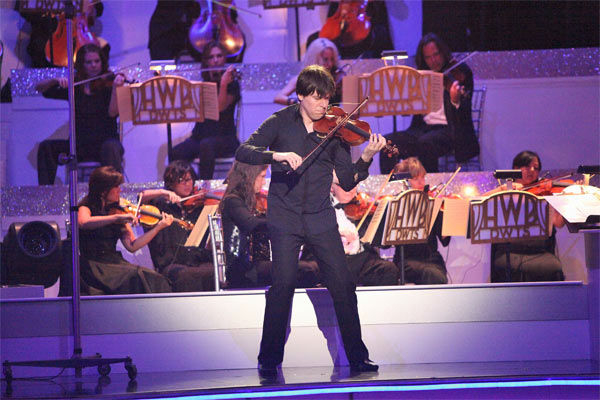 Grammy Award-winning violinist Joshua Bell performed on Classical Night during week 7 of &#39;Dancing With The Stars&#39; on Monday, April 30, 2012. <span class=meta>(ABC Photo&#47; Adam Taylor)</span>