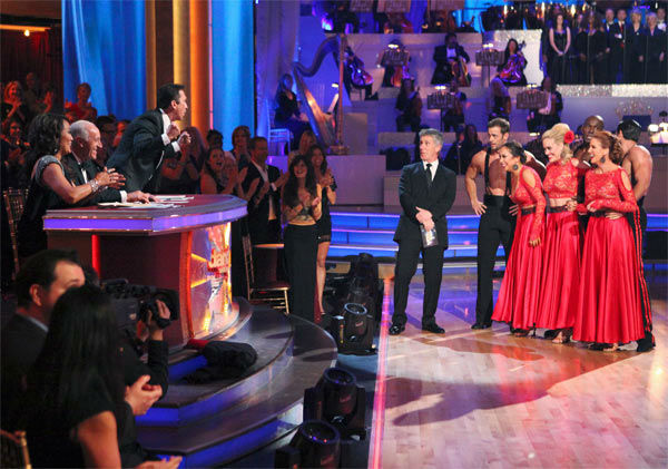 "<div class=""meta ""><span class=""caption-text "">Team Paso -- Melissa Gilbert, Maksim Chmerkovskiy, William Levy, Cheryl Burke, Donald Driver and Peta Murgatroyd -- received 26 out of 30 points from the judges on week 7 of 'Dancing With The Stars,' which aired on Monday, April 30, 2012. (ABC Photo/ Adam Taylor)</span></div>"