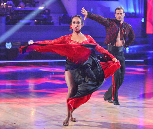 Team Paso -- Melissa Gilbert, Maksim Chmerkovskiy, William Levy, Cheryl Burke, Donald Driver and Peta Murgatroyd -- received 26 out of 30 points from the judges on week 7 of &#39;Dancing With The Stars,&#39; which aired on Monday, April 30, 2012. <span class=meta>(ABC Photo&#47; Adam Taylor)</span>