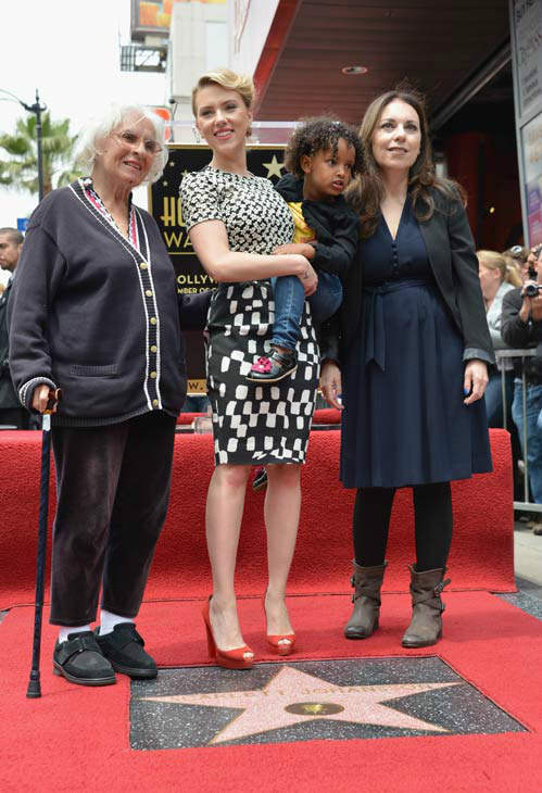 Actress Scarlett Johansson &#40;C&#41; poses with her grandmother Dorothy Sloan &#40;L&#41; her mother Melanie Sloan &#40;R&#41; and sister Fenan Sloan as she is honored on the Hollywood Walk of Fame on May 2, 2012 in Hollywood, California.   <span class=meta>(Alberto E. Rodriguez&#47;WireImage)</span>
