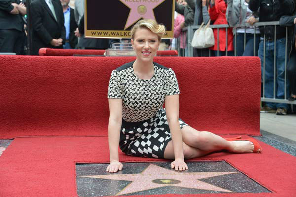 "<div class=""meta ""><span class=""caption-text "">Scarlett Johansson is honored on the Hollywood Walk of Fame on May 2, 2012 in Hollywood, California.  (Alberto E. Rodriguez/WireImage)</span></div>"