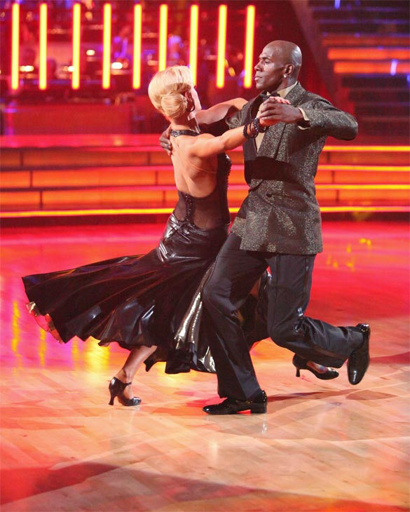 "<div class=""meta image-caption""><div class=""origin-logo origin-image ""><span></span></div><span class=""caption-text"">Football star Donald Driver and his partner Peta Murgatroyd received 27 out of 30 points from the judges for their Tango on week eight of 'Dancing With The Stars,' which aired on Monday, May 7, 2012. (ABC Photo/ Adam Taylor)</span></div>"