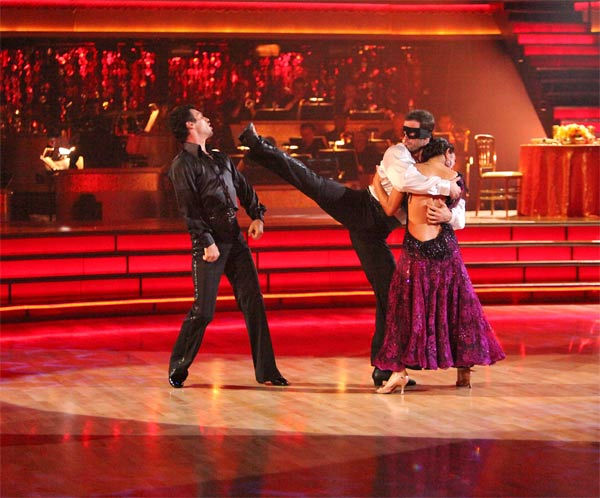 Telenovela star William Levy and his partner Cheryl Burke, along with guest dancer Tony Dovolani, received 27 out of 30 points from the judges for their 'Trio' Paso Doble on week eight of 'Dancing With The Stars,' which aired on Monday, May 7, 2012.