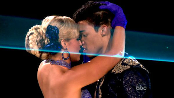 Roshon Fegan And Chelsie Hightower Kiss Dancing with the stars' season ...