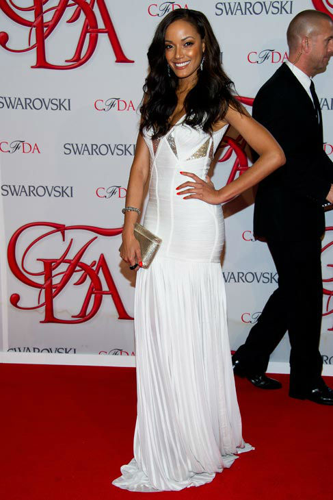Selita Ebanks arrives at the CFDA Fashion Awards