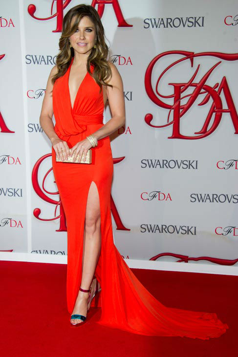 "<div class=""meta ""><span class=""caption-text "">Sophia Bush arrives at the CFDA Fashion Awards on Monday, June 4, 2012 in New York.  (Photo/Charles Sykes)</span></div>"