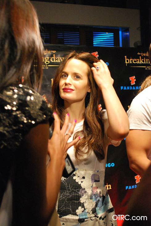 "<div class=""meta ""><span class=""caption-text "">'Twilight' actress Elizabeth Reaser appears in a photo at San Diego Comic-Con on Wednesday, July 11, 2012. (OTRC Photo)</span></div>"