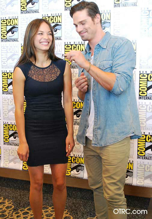 Kristin Kreuk and Jay Ryan from the new CW series &#39;Beauty and the Beast&#39; appear in a photo at San Diego Comic-Con on Thursday, July 12, 2012. <span class=meta>(OTRC Photo)</span>