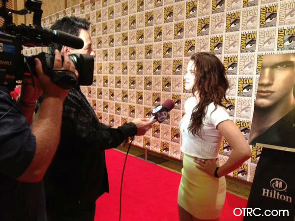 &#39;Twilight&#39; actress Kristen Stewart appears in a photo at San Diego Comic-Con on Thursday, July 12, 2012. <span class=meta>(OTRC Photo)</span>