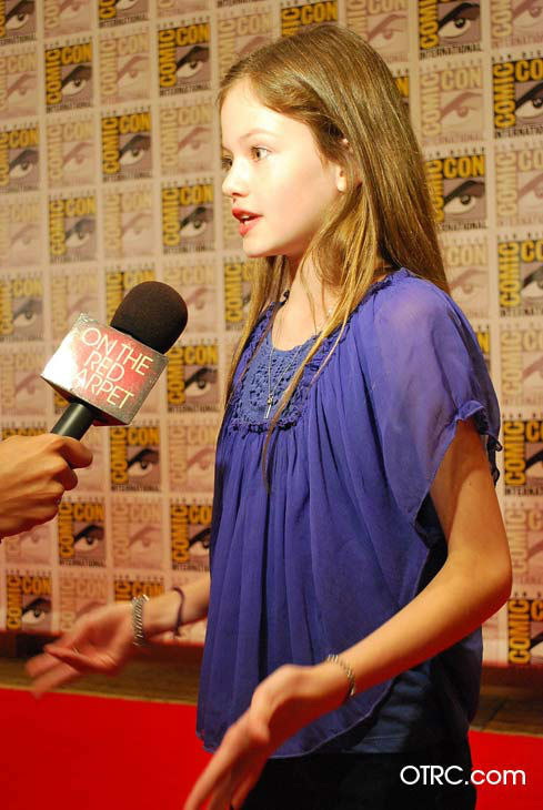 "<div class=""meta ""><span class=""caption-text "">'Twilight Saga: Breaking Dawn - Part 2' actress Mackenzie Foy, who portrays Bella and Edward's daughter Renesmee, appears in a photo at San Diego Comic-Con on Thursday, July 12, 2012. (OTRC Photo)</span></div>"