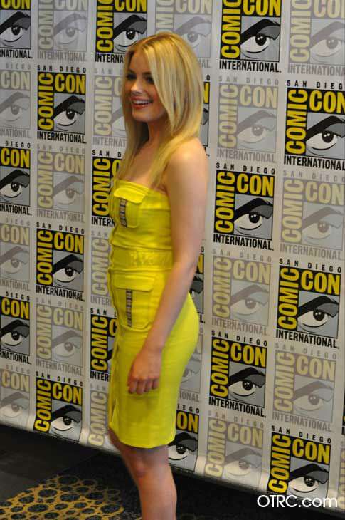 "<div class=""meta image-caption""><div class=""origin-logo origin-image ""><span></span></div><span class=""caption-text"">Gillian Jacobs of 'Community' appears in a photo at San Diego Comic-Con on Friday, July 13, 2012. (OTRC Photo)</span></div>"