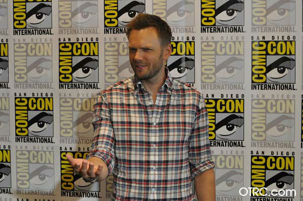 "<div class=""meta image-caption""><div class=""origin-logo origin-image ""><span></span></div><span class=""caption-text"">Joel McHale of 'Community' appears in a photo at San Diego Comic-Con  on Friday, July 13, 2012. (OTRC Photo)</span></div>"