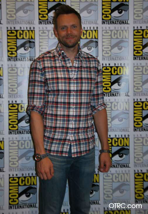 "<div class=""meta ""><span class=""caption-text "">Joel McHale of 'Community' appears in a photo at San Diego Comic-Con  on Friday, July 13, 2012. (OTRC Photo)</span></div>"