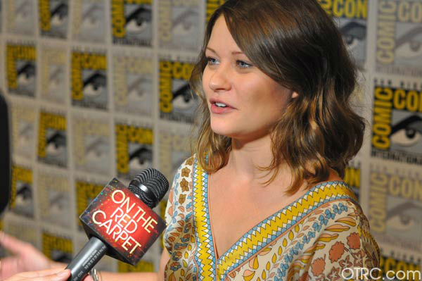 Emilie de Ravin of &#39;Once Upon a Time&#39; appears in a photo at San Diego Comic-Con on Saturday, July 14, 2012. <span class=meta>(OTRC Photo)</span>