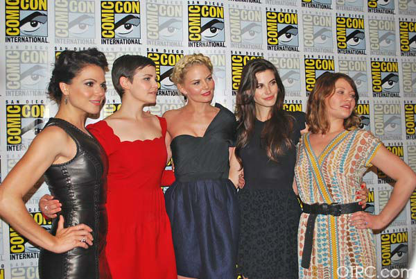 "<div class=""meta ""><span class=""caption-text "">The cast of 'Once Upon a Time' appear in a photo at San Diego Comic-Con on Saturday, July 14, 2012.  (OTRC Photo)</span></div>"