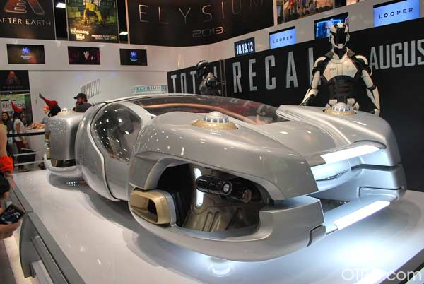 "<div class=""meta ""><span class=""caption-text "">A vehicle from the 2012 film 'Total Recall' on display at Comic-Con, held on July 12 through July 15, 2012. (OTRC Photo)</span></div>"