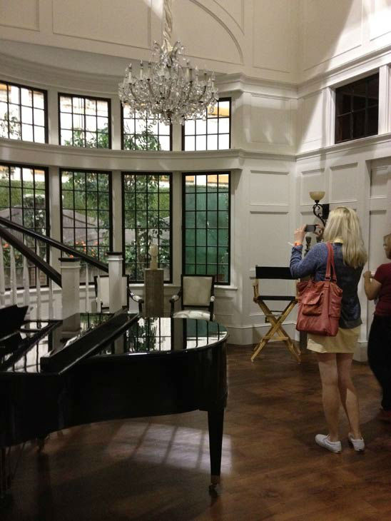 "<div class=""meta image-caption""><div class=""origin-logo origin-image ""><span></span></div><span class=""caption-text"">Pictured is the inside of Grayson Manor from the set of the ABC drama series 'Revenge.' The photo was taken on July 26, 2012, during a set visit by members of the Television Critics Association. Season 2 premieres on September 30 at a new time slot - moving from Wednesdays to Sundays at 9 p.m.  (OTRC / ABC)</span></div>"