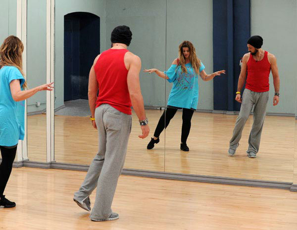 Kirstie Alley and Maksim Chmerkovskiy appear in a reh