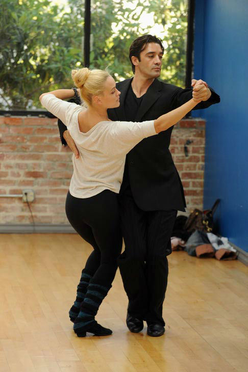 Gilles Marini and last season's champ Peta Murgatroyd appear in a rehearsal photo for 'Da