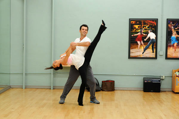 "<div class=""meta image-caption""><div class=""origin-logo origin-image ""><span></span></div><span class=""caption-text"">Melissa Rycroft and Tony Dovolani, who were partners in season 8, appear in a rehearsal photo for 'Dancing With The Stars: All-Stars' season 15. (ABC Photo/ Todd Wawrychuk)</span></div>"