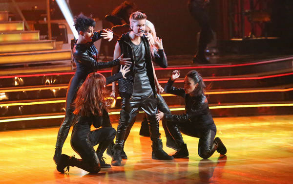 Justin Bieber performed on 'Dancing With The Stars: The Results Show' on Tuesday, September 25, 2012. He sang his second single off his 'Believe' album titled 'As Long as
