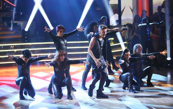Justin Bieber performed on 'Dancing With The Stars: The Results Show' on Tuesday, September 25, 2012. He sang his second single off his 'Believe' album titled '