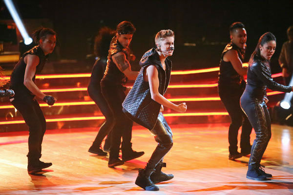 Justin Bieber performed on 'Dancing With The Stars: The Results Show' on Tuesday, September 25, 2012. He sang his second single off his 'Believe' album titled 'As Long