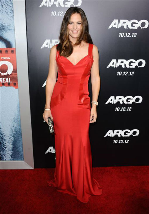 Jennifer Garner appears at the premiere of husband Ben Affleck&#39;s movie &#39;Argo&#39; in Beverly Hills, California on Oct. 4, 2012. <span class=meta>(Sara De Boer &#47; Startraksphoto.com)</span>