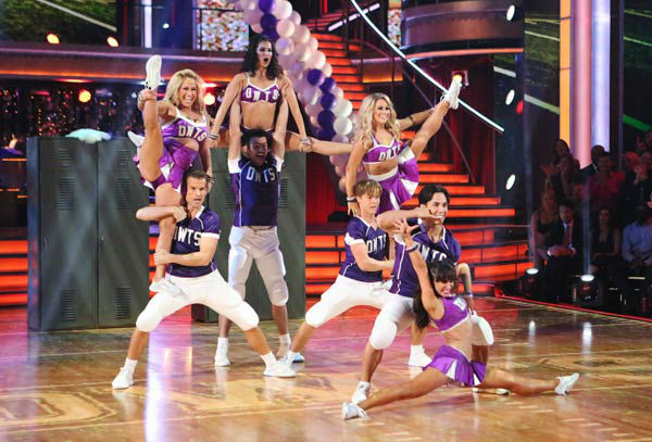 Apolo Ohno, Melissa Rycroft, Sabrina Bryan and Shawn Johnson appear in a photo from their group Freestyle group dance on October 22, 2012. <span class=meta>(ABC Photo&#47; Adam Taylor)</span>