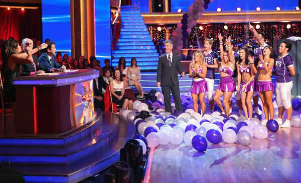 "<div class=""meta ""><span class=""caption-text "">Apolo Ohno, Melissa Rycroft, Sabrina Bryan and Shawn Johnson appear in a photo from their group Freestyle group dance on October 22, 2012. (ABC Photo/ Adam Taylor)</span></div>"