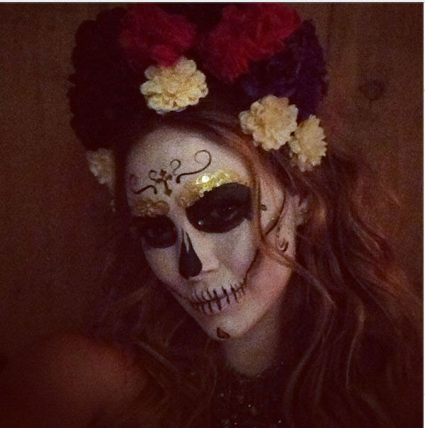 Hilary Duff appears in a photo  posted on her official Twitter page on October 26, 2012. The new mom wrote, &#39;Yaaaaa! Day of the dead crazy!&#39; <span class=meta>(instagram.com&#47;p&#47;RRVPMENTTc)</span>