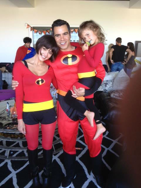 Jessica Alba, her husband Cash Warren and daughter Honor appear dressed as the Incredibles in a photo posted on the a