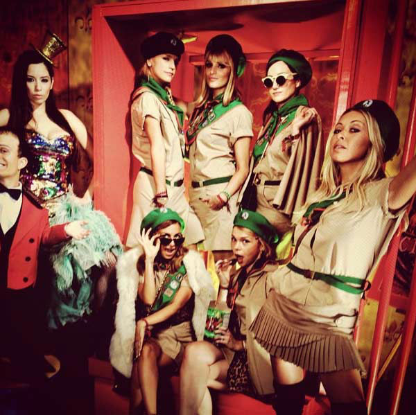 "<div class=""meta ""><span class=""caption-text "">Nicole Richie and her friends appear dressed as Troop Beverly Hills in a photo  posted on her official Instagram page on October 28, 2012. (instagram.com/p/RUHjlwputw)</span></div>"